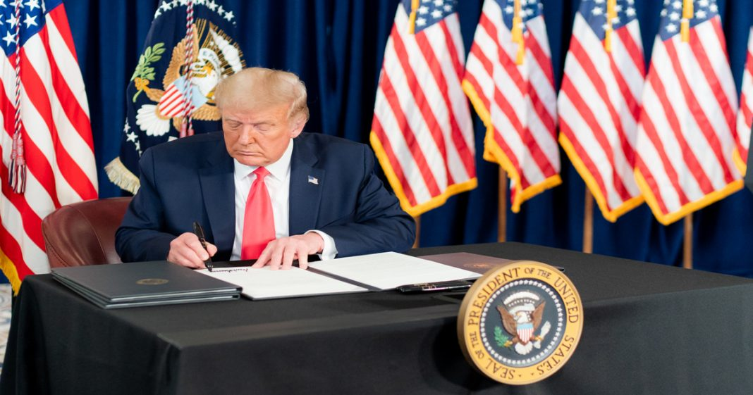 trump executive orders conservative news media